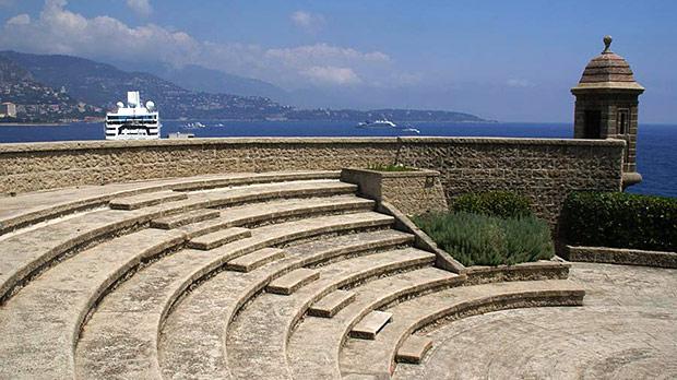 Fort Antoine Theatre © freefoto.com