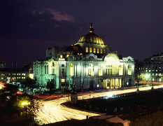 Palacio de Belle Artes at night