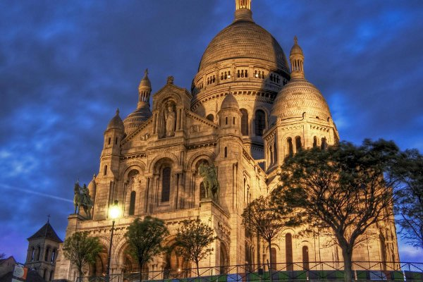 Montmartre And The Basilica Sacre Coeur