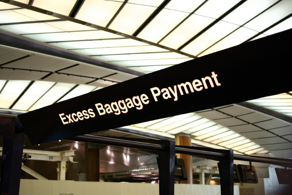 Pay for the excess weight of the luggage