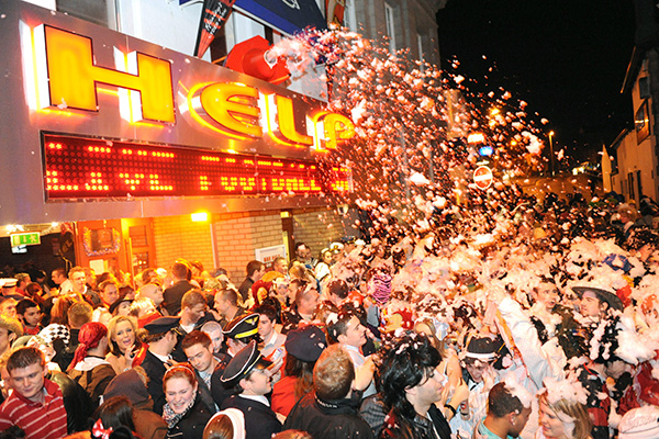 Top 10   UK New Years Eve Parties | Essential Travel