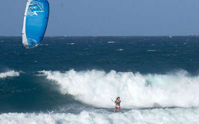 Kirsty Jones kitesurfing